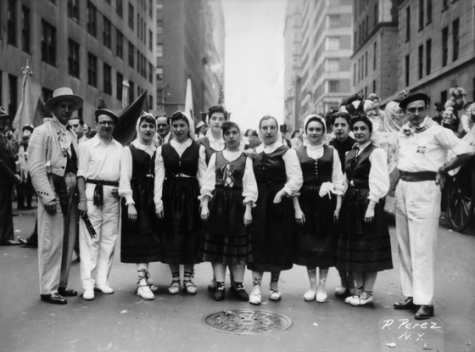 Dancers in New York City in 1948 with Jesus Galindez and Jon Oñatibia