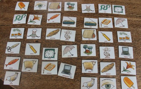 Memory matching game helps you learn vocabulary in Euskera.