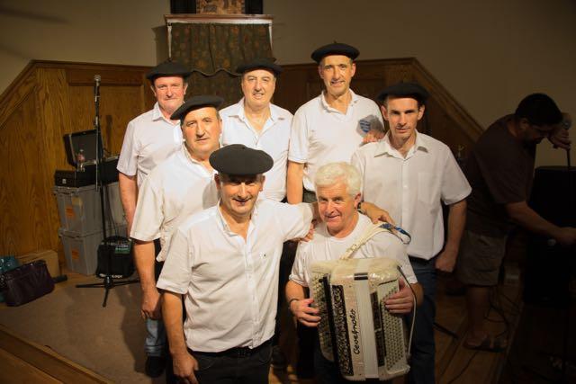 Menditarrak+singers+from+Banka%2C+Nafarroa+Beherea.