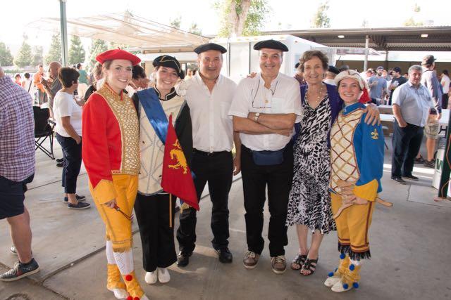 Menditarrak singers and Maskarada dancers
