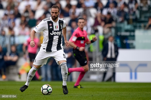 ALLIANZ STADIUM, TURIN, ITALY - 2018/05/19: Gonzalo Higuain of Juventus FC in action during the Serie A football match between Juventus FC and Hellas Verona FC. Juventus FC won 2-1 over Hellas Verona FC. (Photo by Nicolò Campo/LightRocket via Getty Images)