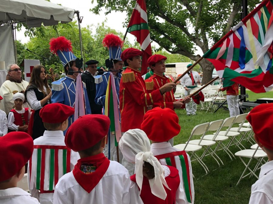 Not Even the Rain Could Dampen Spirits at the Bakersfield Picnic