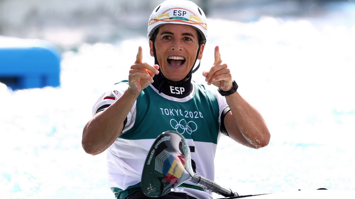 Maialen Chourraut wins the silver in the womens canoe slalom for Spain
