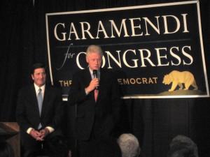 Bill Clinton praised John Garamendi during a campaign rally at the Basque Cultural Center. Photo by Xabier Berrueta.