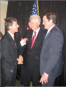Bill Clinton and John Garamendi at the Cultural Center. Photo by Xabier Berrueta.
