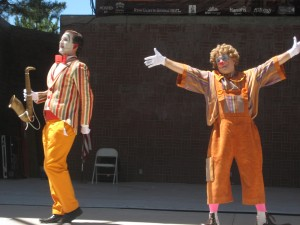 Clowns from the Basque Country entertained the crowd