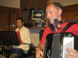 Accordionist Jean Louis Bergara and drummer Michel Violet, both from Iparralde.