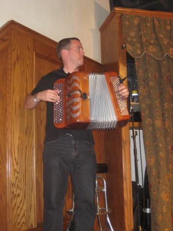 Accordionist Iñaki Dieguez played with Pantxoa eta Peio.
