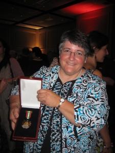 Basque Museum Director Patty Miller receives Lagun Onari award.