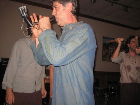 Mixel Ducau leads the musicians, playing the alboka.