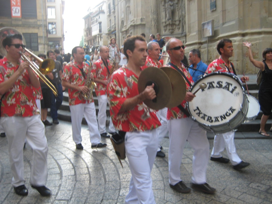 Peñas or small bands parade through the streets during the festivals.