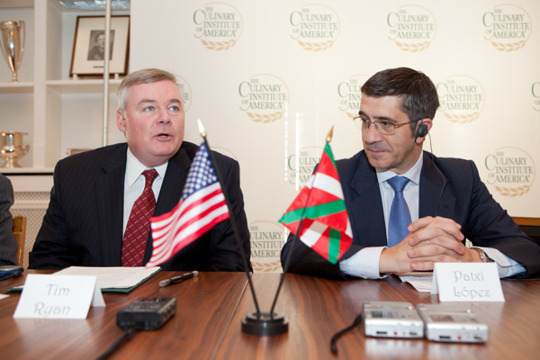 Culinary Institute of American President Tim Ryan and Basque Lehendakari Patxi Lopez agreed to strengthen culinary and cultural ties. Photo: Courtesy of the Culinary Institute.